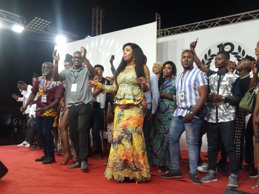 Madame Linda Awesso entourée de tous les festivaliers