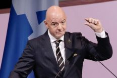 Gianni Infantino félicite Col Guy Akpovy pour sa réélection